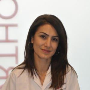 Nazanine responsable administrative du cabinet du Dr.E. by Swiss Ortho Clinic